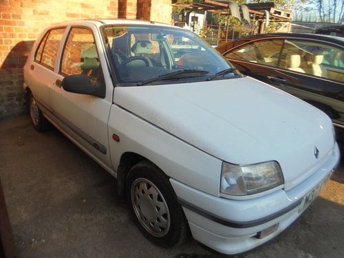 1995 REG CLASSIC CLIO AUTOMATIC LONG MOT 16 SERVICE STAMPES  For Sale (picture 4 of 6)