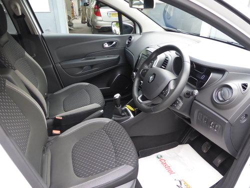 2018 (18) Renault Captur 0.9Tce 90 Dynamique S Nav  For Sale (picture 3 of 6)