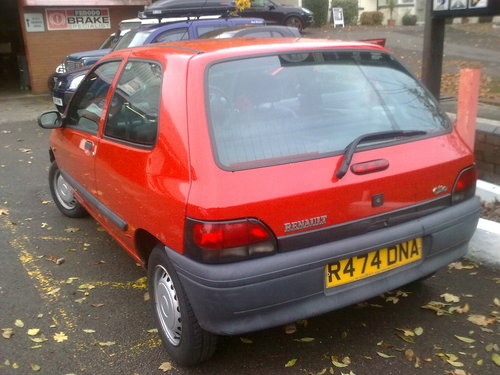 1996 - 35,000 MILE RENAULT CLIO SOLD (picture 3 of 6)