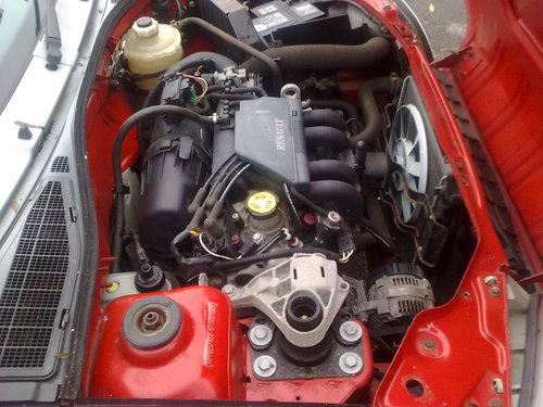 1996 - 35,000 MILE RENAULT CLIO SOLD (picture 5 of 6)