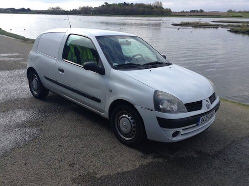 2004 Clio Diesel Van left hand drive For Sale (picture 1 of 6)