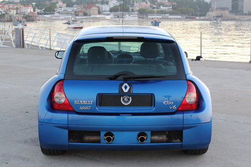 2001 Renault Clio 3.0 V6 Sport SOLD (picture 1 of 6)