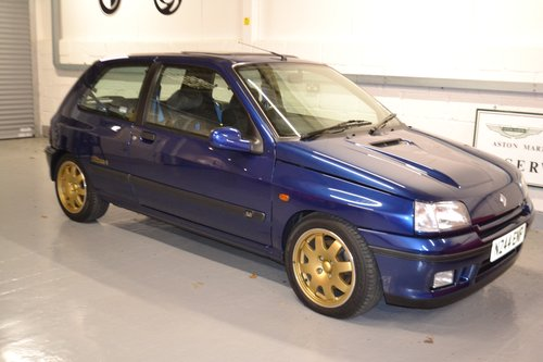 1995 Clio Williams 3 with only 13,000 genuine miles For Sale (picture 1 of 6)