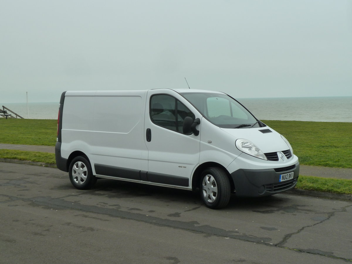 2012 TRAFIC 2.0dCi SL29 SAT NAV VAN LOVELY CONDITION LONG MOT SOLD (picture 1 of 6)