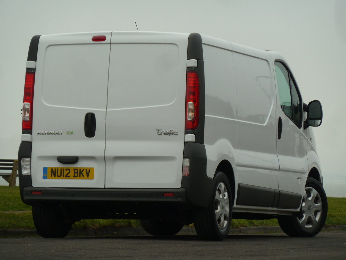 2012 TRAFIC 2.0dCi SL29 SAT NAV VAN LOVELY CONDITION LONG MOT SOLD (picture 2 of 6)