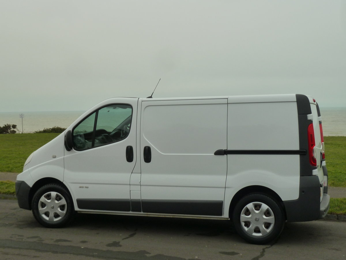 2012 TRAFIC 2.0dCi SL29 SAT NAV VAN LOVELY CONDITION LONG MOT SOLD (picture 4 of 6)
