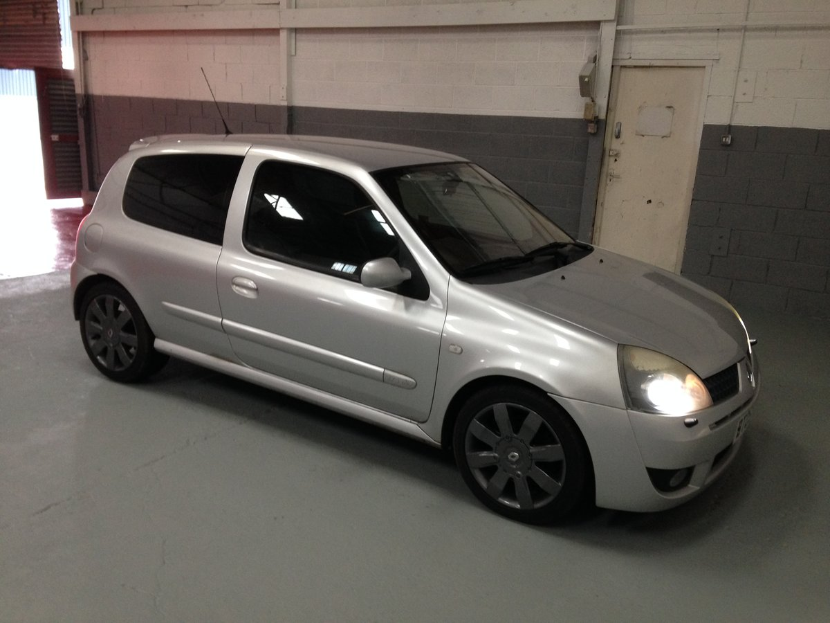 2005 RENAULTSPORT CLIO 182 RS 74000 FSH For Sale (picture 1 of 6)