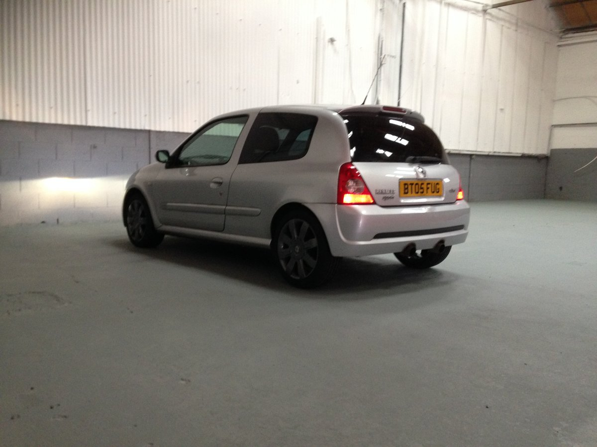 2005 RENAULTSPORT CLIO 182 RS 74000 FSH For Sale (picture 2 of 6)