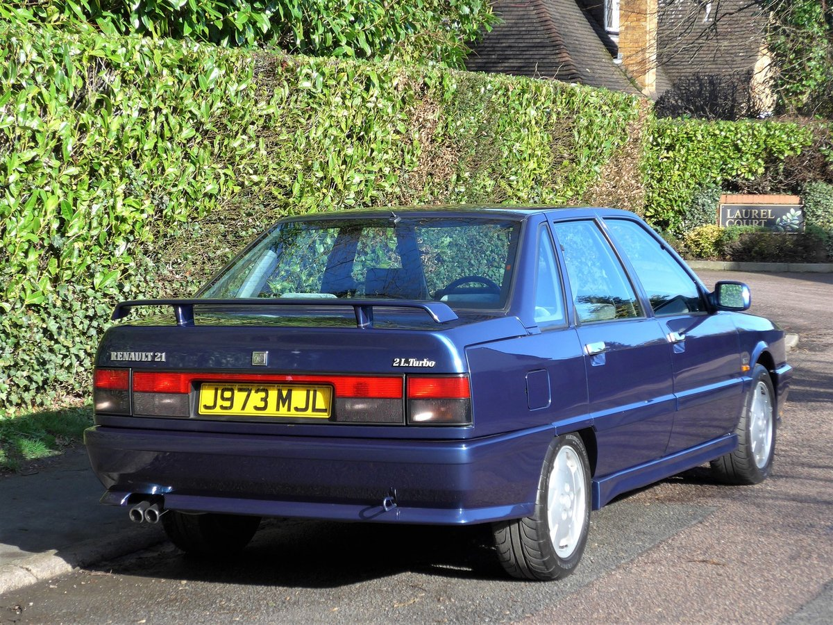 1992 RENAULT 21 TURBO - 27,000 miles. Exceptional. LHD. For Sale (picture 2 of 6)