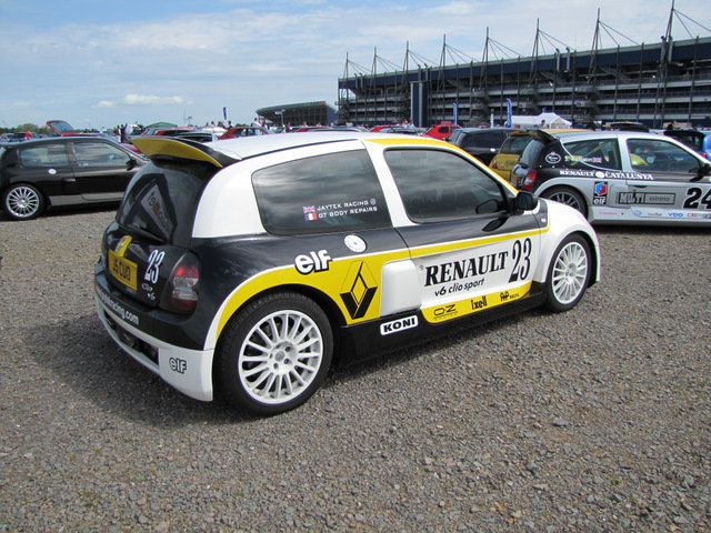 2003 RENAULT V6 24V CLIO For Sale (picture 2 of 6)