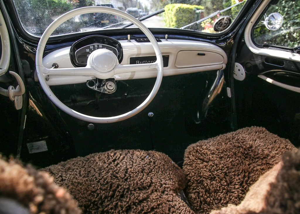 1955 Renault 4CV 'Bouton d'Or' SOLD by Auction (picture 5 of 6)