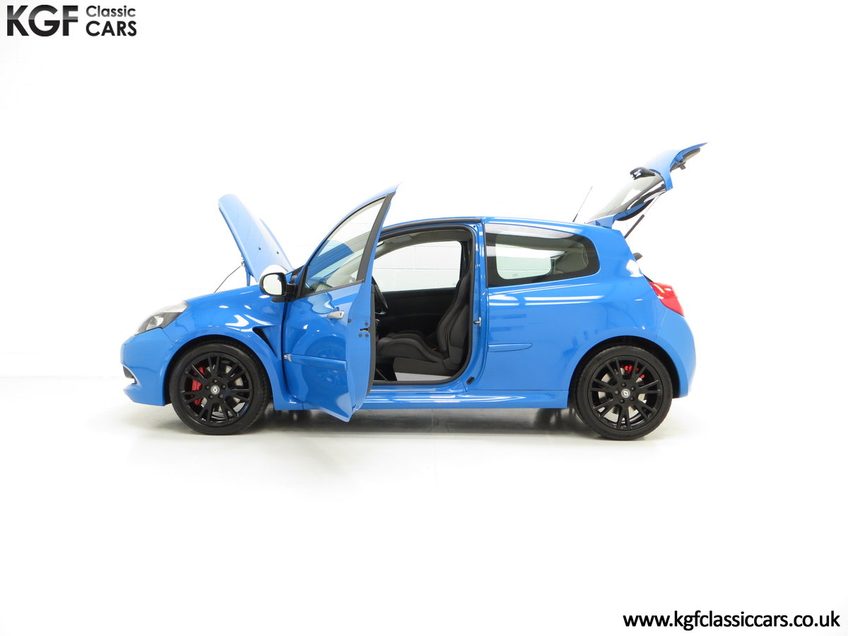2011 A Thrilling Clio Renaultsport 200 Cup Chassis with One Owner For Sale (picture 3 of 6)