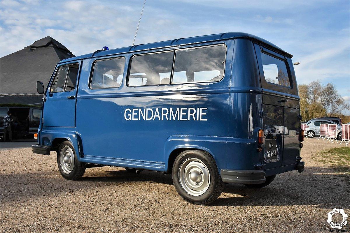 1975 Renault Estafette ex gendarmerie A1 condition, For Sale (picture 1 of 6)