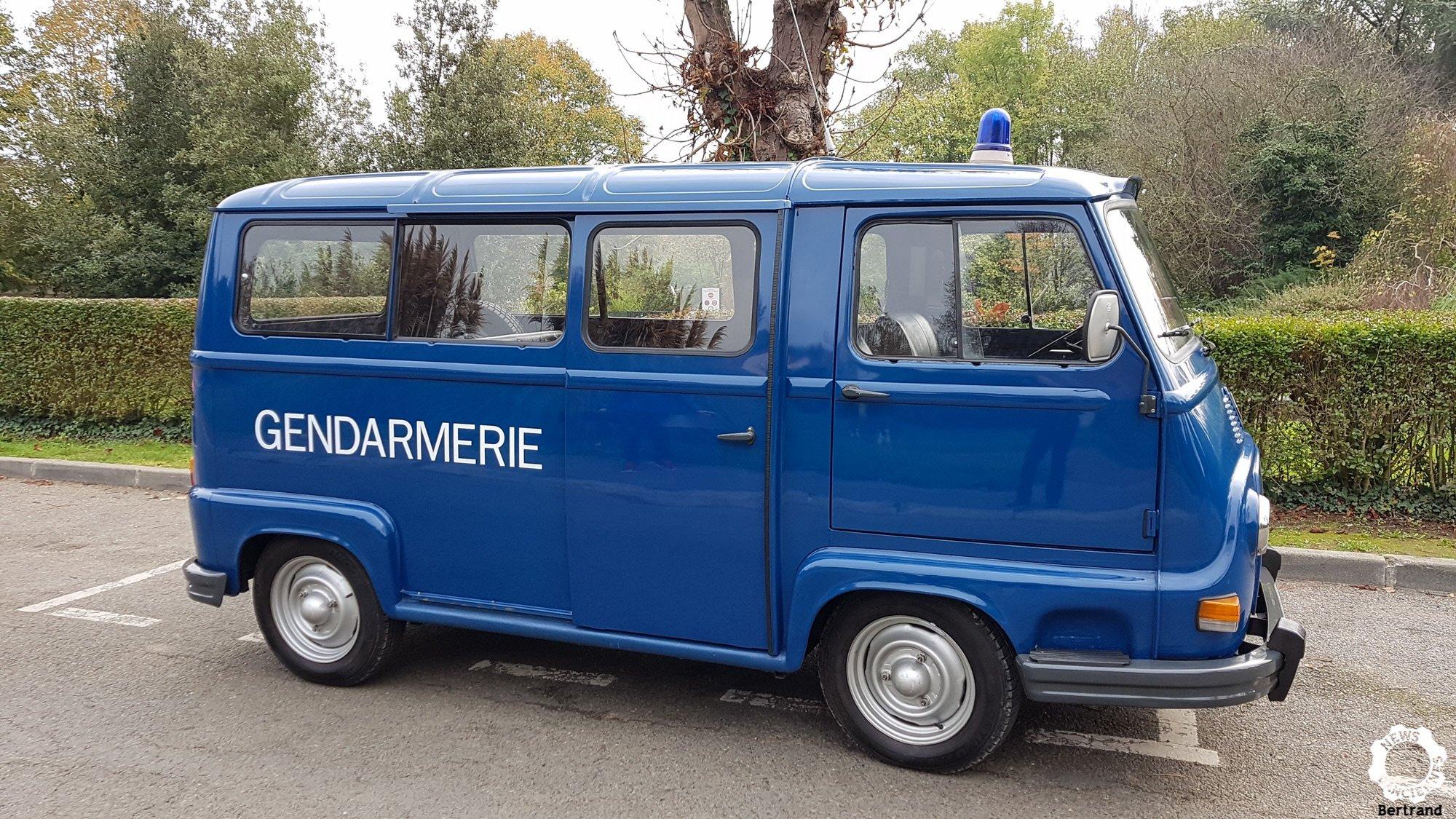 1975 Renault Estafette ex gendarmerie A1 condition, For Sale (picture 2 of 6)