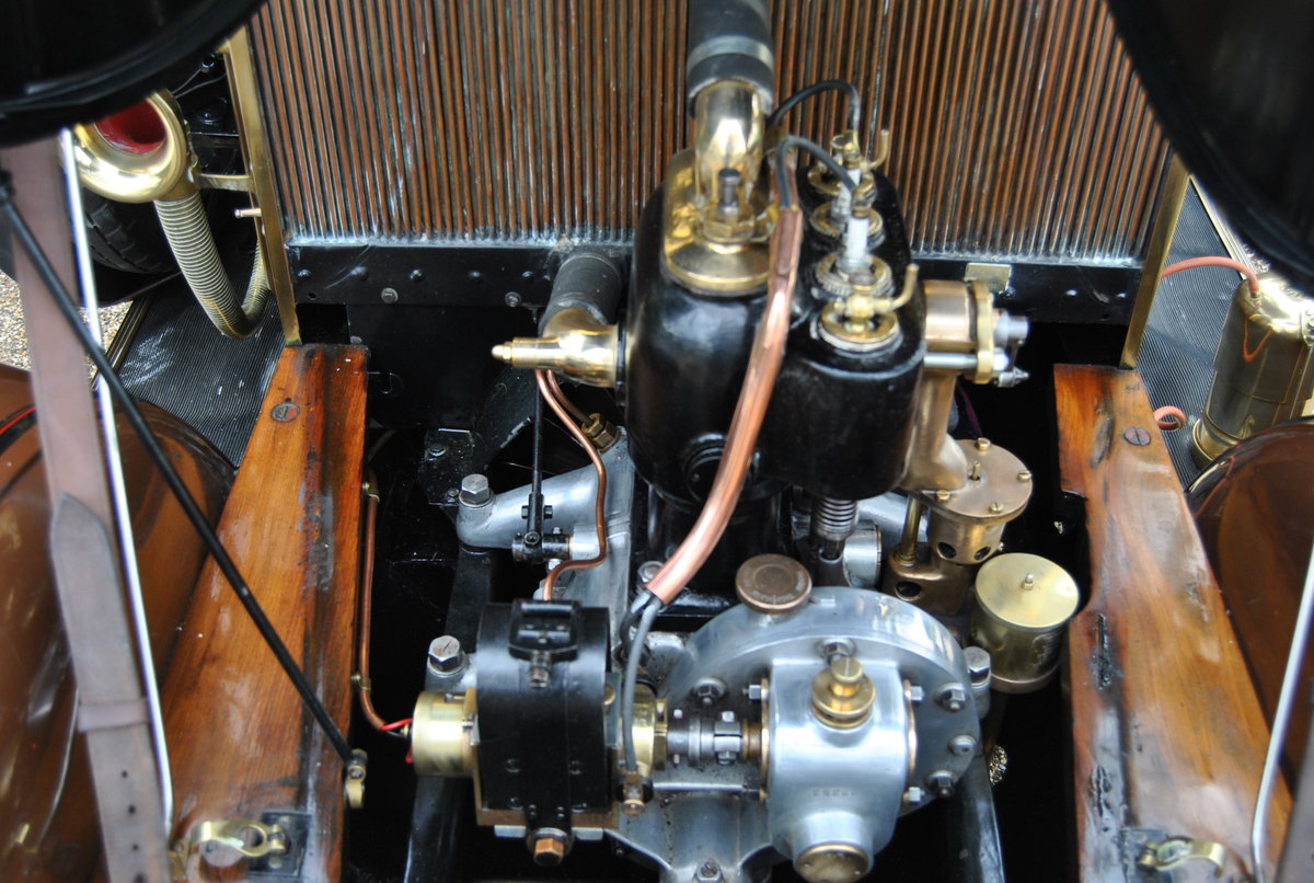 RENAULT 1908 AX 8HP - Family Owned For Last 50 Years SOLD (picture 4 of 6)