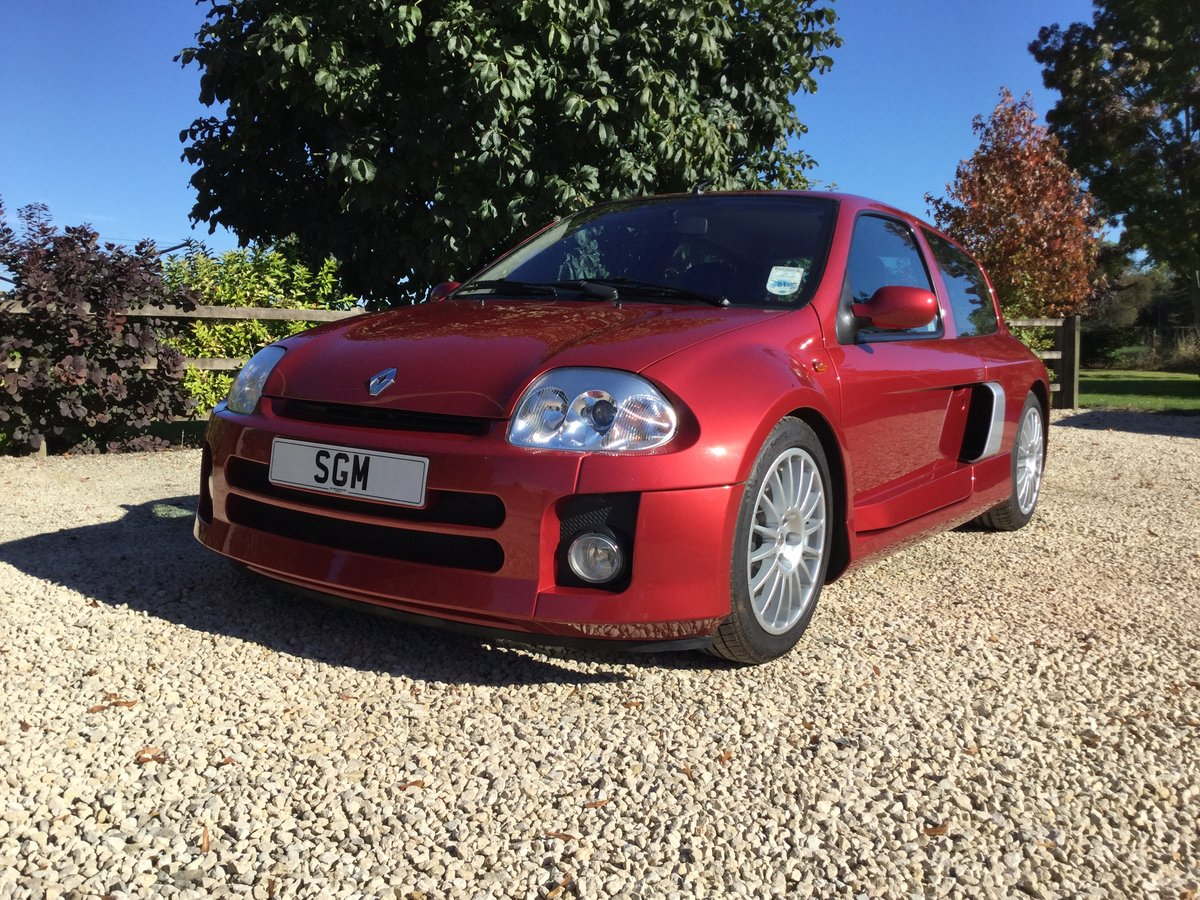 2002 Renault Clio V6 Phase 1 Mars Red For Sale (picture 2 of 6)