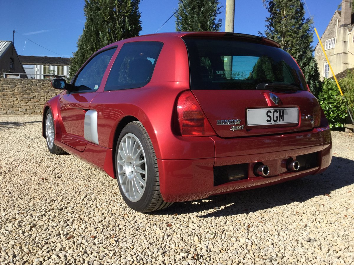 2002 Renault Clio V6 Phase 1 Mars Red For Sale (picture 3 of 6)