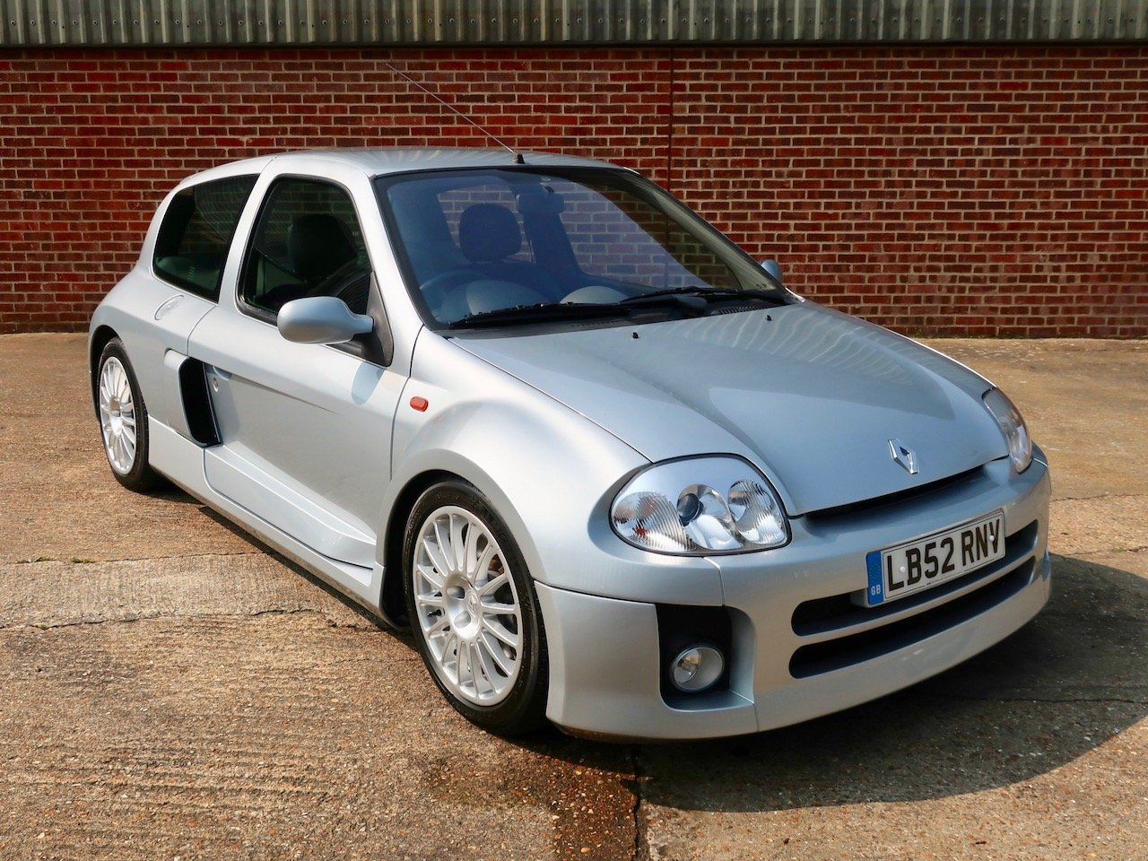 2002 renault clio v6 for sale car and classic
