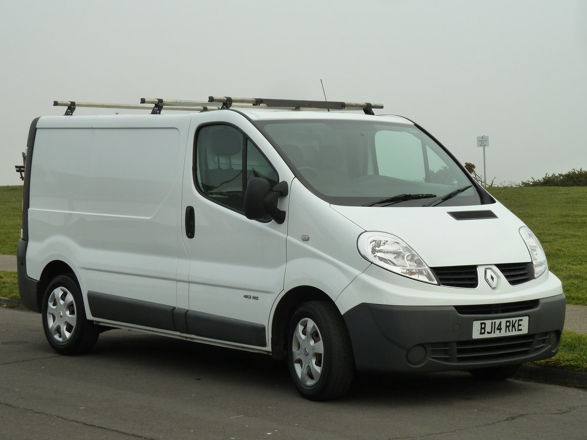 2014 TRAFIC 2.0dCi SL27 115 SWB VAN EXCELLENT CONDITION LONG MOT  SOLD (picture 2 of 6)