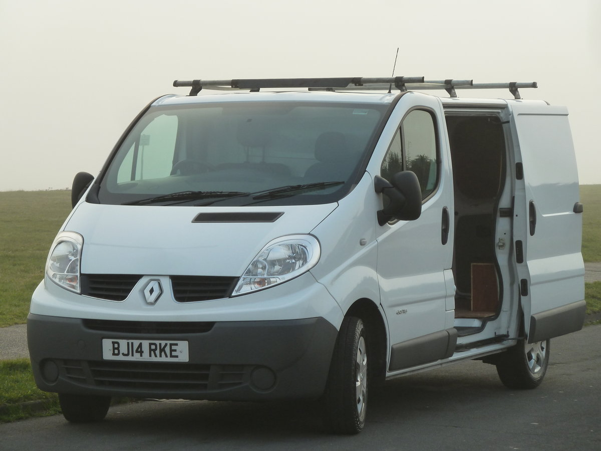 2014 TRAFIC 2.0dCi SL27 115 SWB VAN EXCELLENT CONDITION LONG MOT  SOLD (picture 5 of 6)