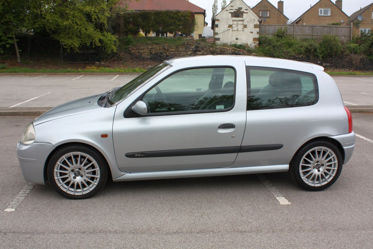2001 2000 RENAULT CLIO 172 PHASE 1 - ICEBERG SILVER For Sale (picture 2 of 6)