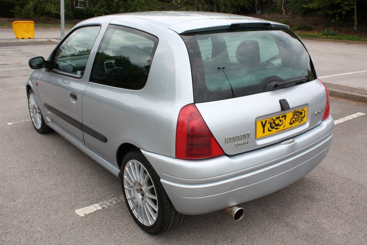 2001 2000 RENAULT CLIO 172 PHASE 1 - ICEBERG SILVER For Sale (picture 4 of 6)