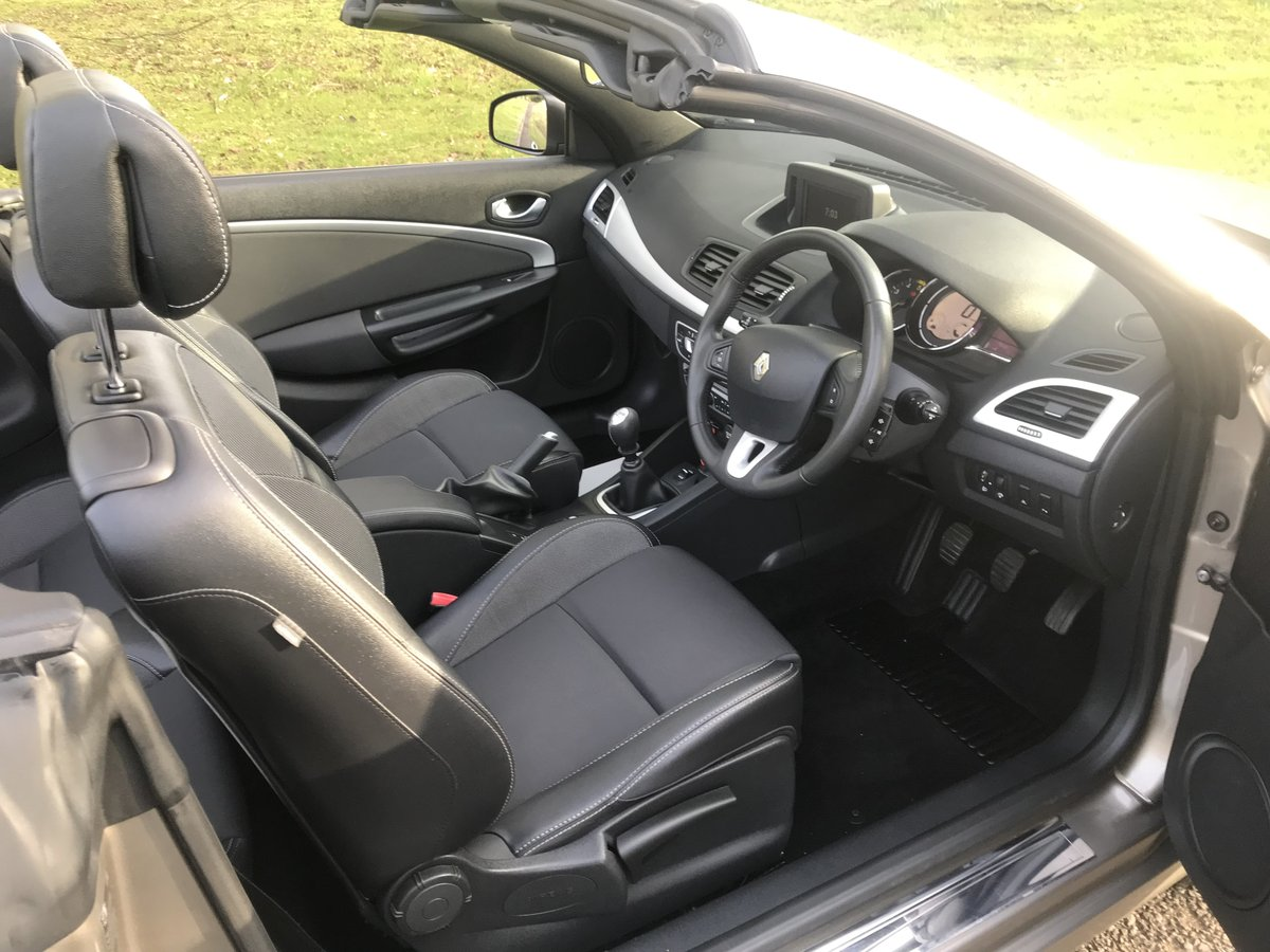 2010 RENAULT MEGANE CABRIOLET ONLY 29000 MILES+FULL HISTORY For Sale (picture 5 of 6)