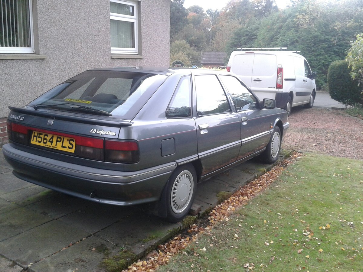 1990 Renault 21 GTX 2.0 Injection Hatchback For Sale (picture 2 of 6)