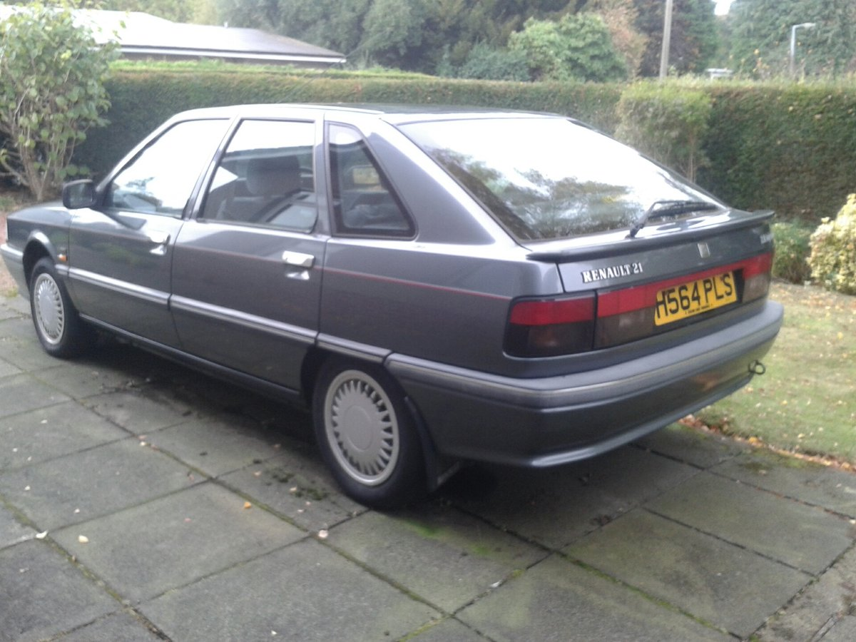 1990 Renault 21 GTX 2.0 Injection Hatchback For Sale (picture 3 of 6)