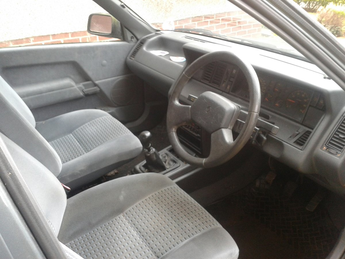 1990 Renault 21 GTX 2.0 Injection Hatchback For Sale (picture 4 of 6)