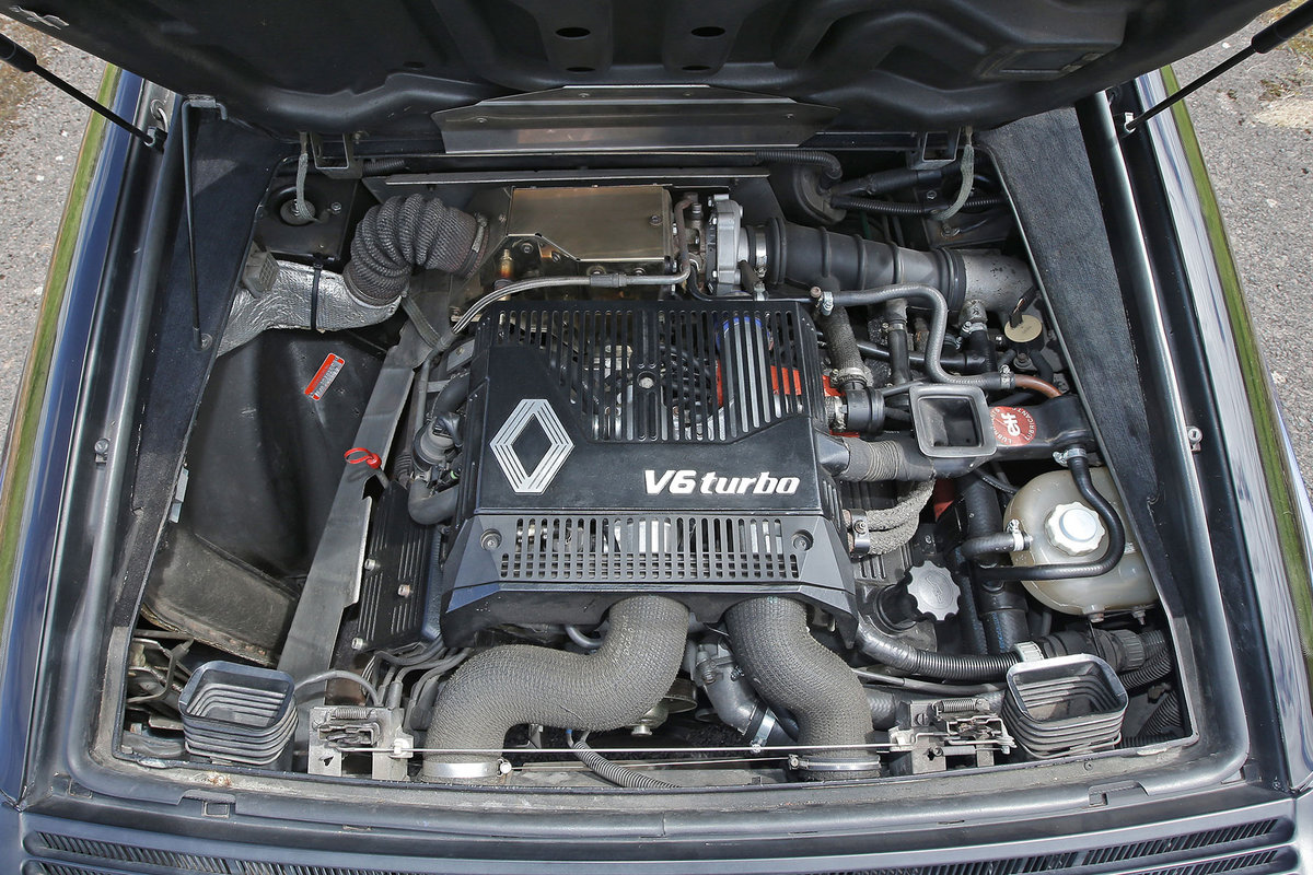1994 Fully restored Renault A610  For Sale (picture 6 of 6)