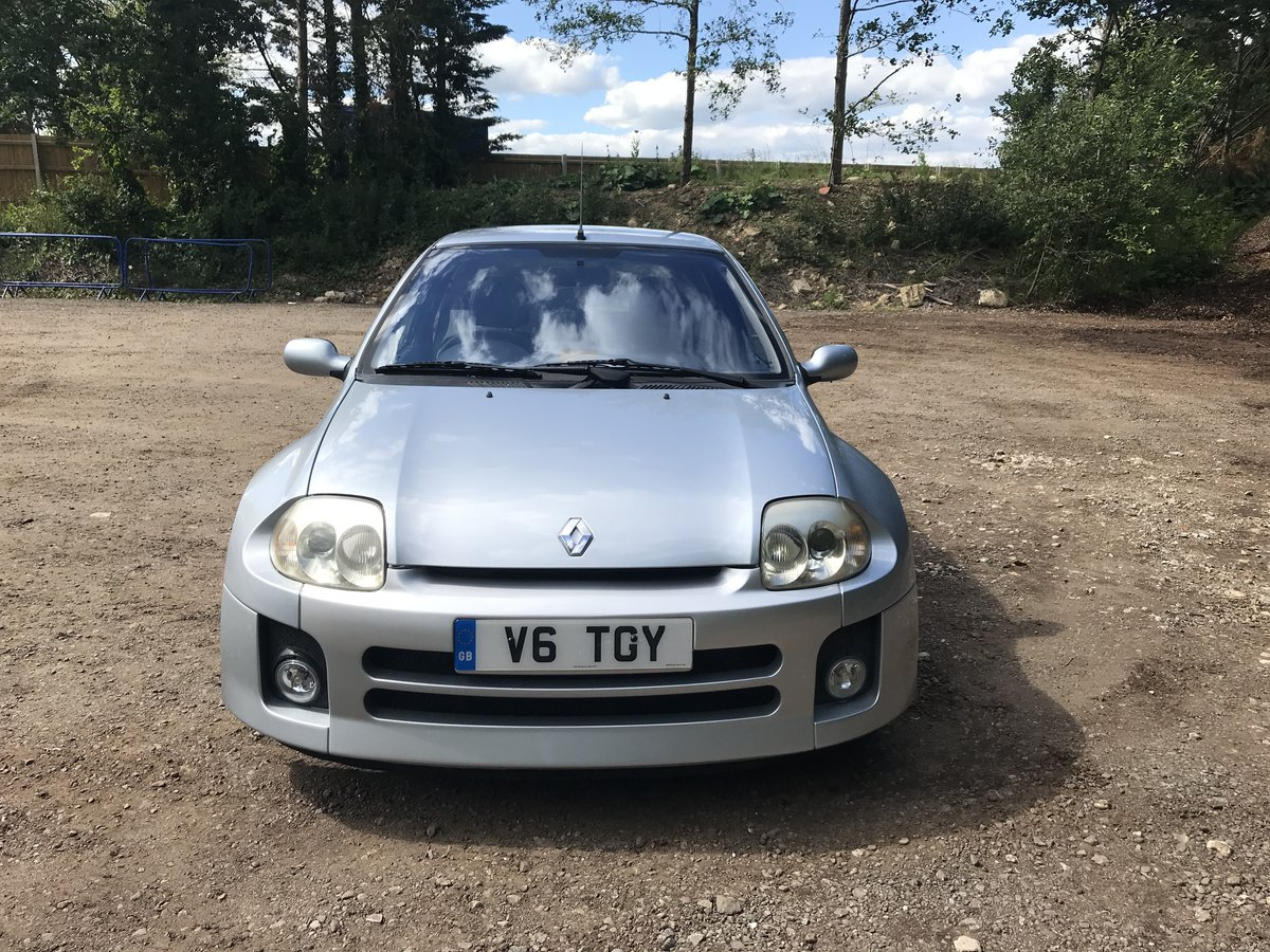 2002 V6 clio For Sale (picture 1 of 6)
