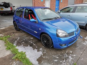 Clio Sport 172 cup track car road legal For Sale
