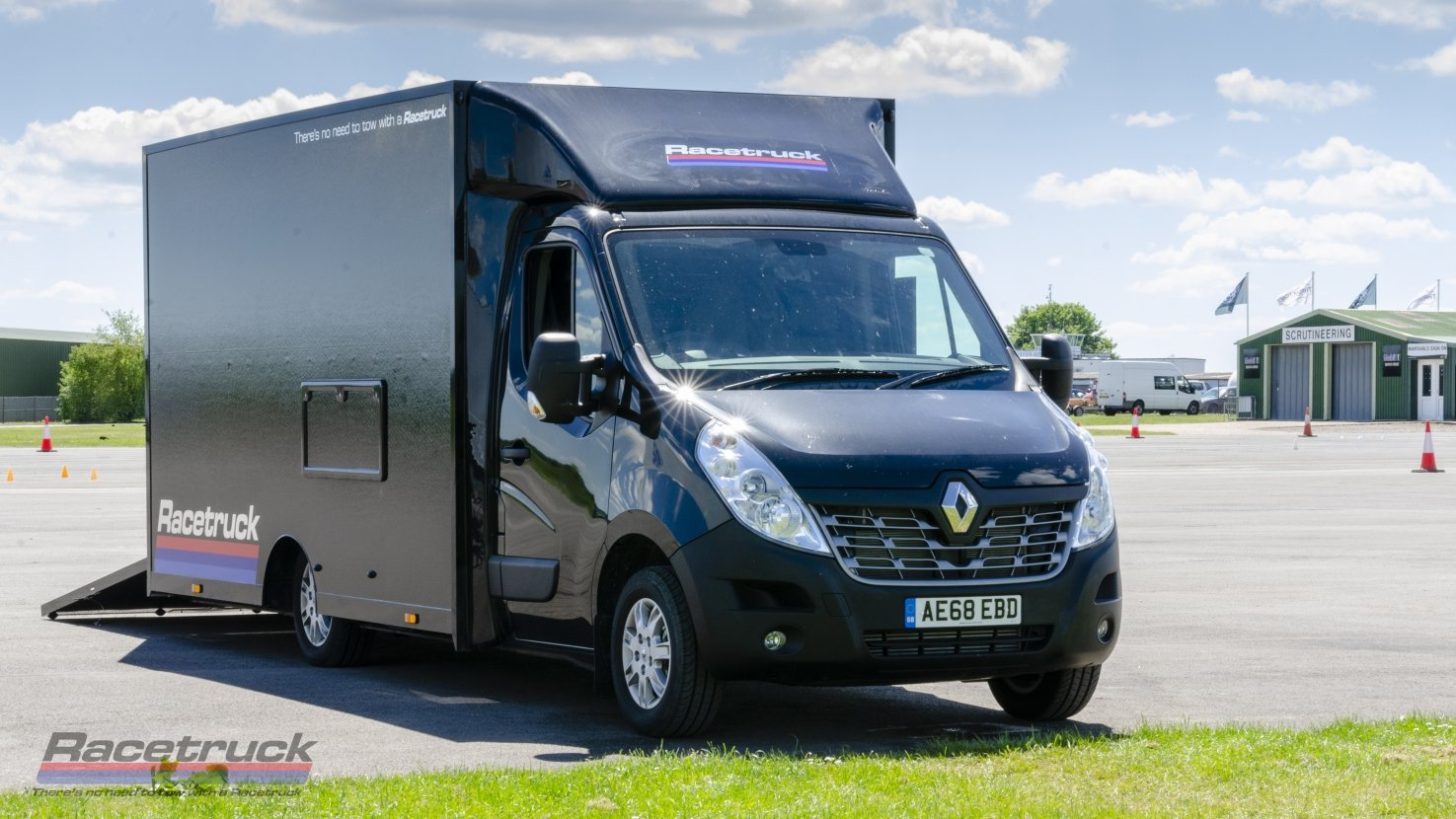 2019 Racetruck – Renault Master 2.3ltr E6Y Race Car Transporter For Sale (picture 3 of 6)