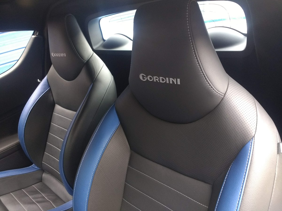 2011 Low mileage Renault Wind Gordini model SOLD (picture 4 of 6)