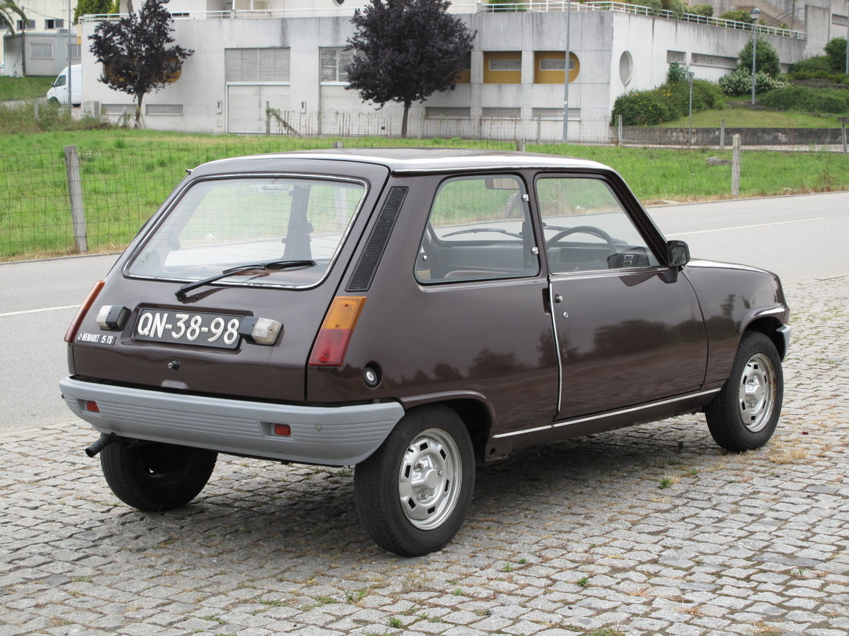 1978 Renault 5 TS (RHD) For Sale (picture 2 of 6)