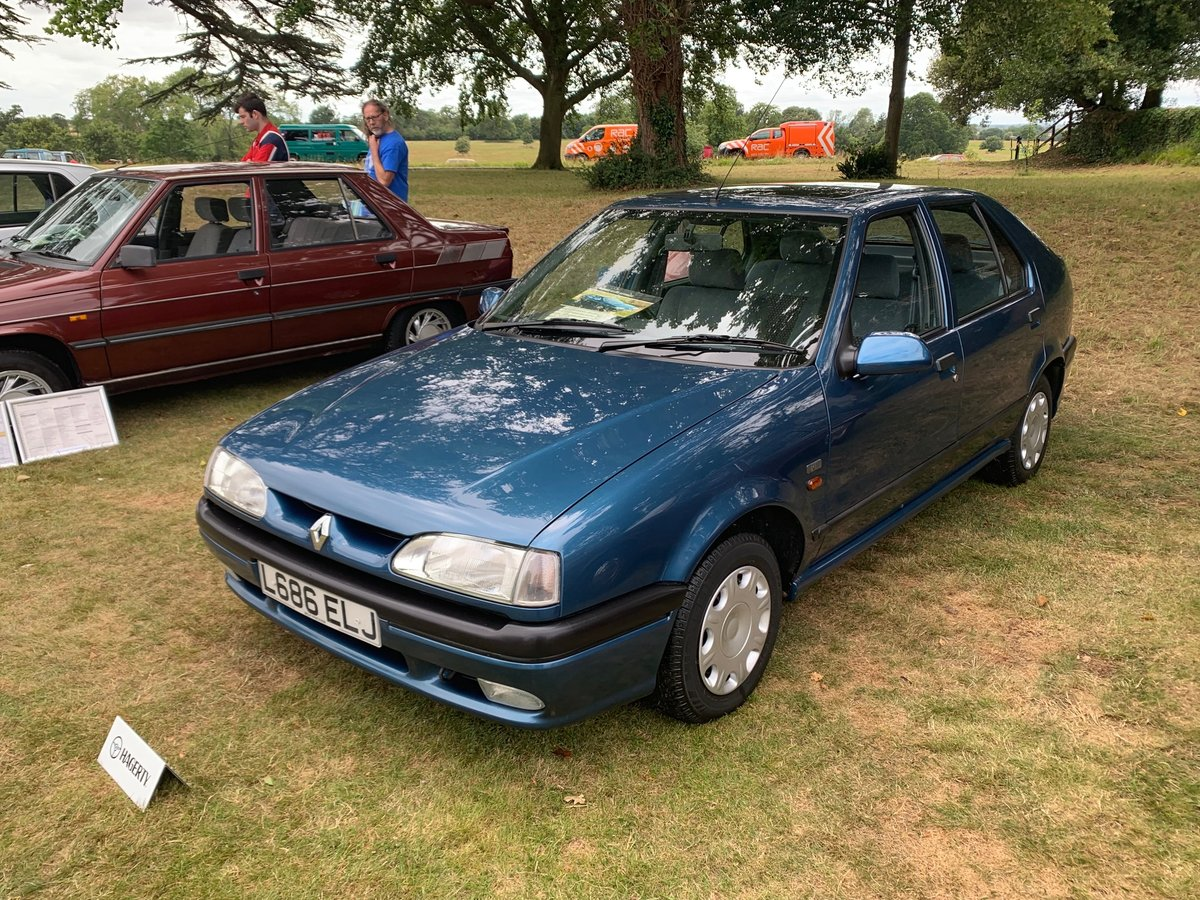 1994 Renault 19 1.4 RT Automatic For Sale (picture 2 of 5)