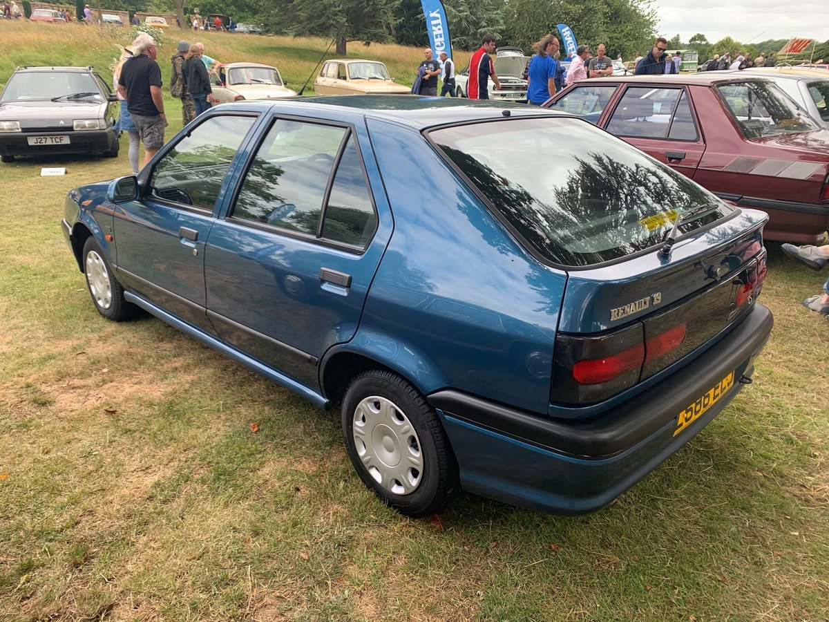 1994 Renault 19 1.4 RT Automatic For Sale (picture 3 of 5)