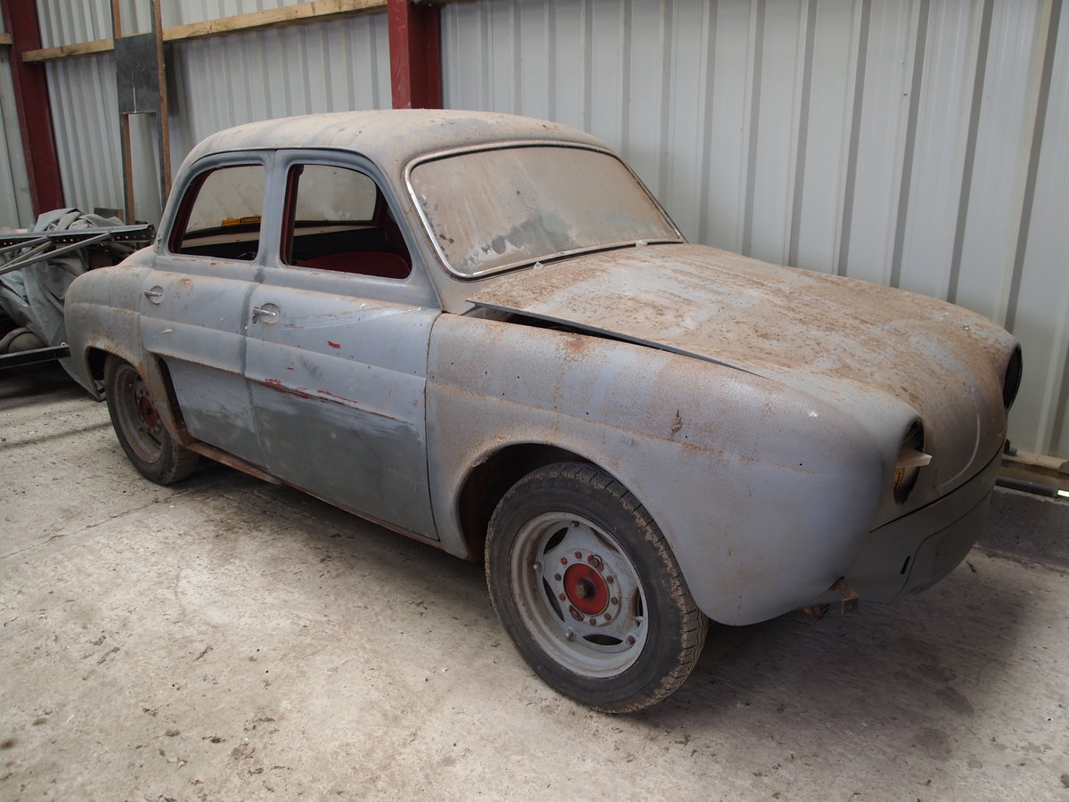 1956 Renault Dauphine - early UK spec Barn Find For Sale (picture 2 of 6)