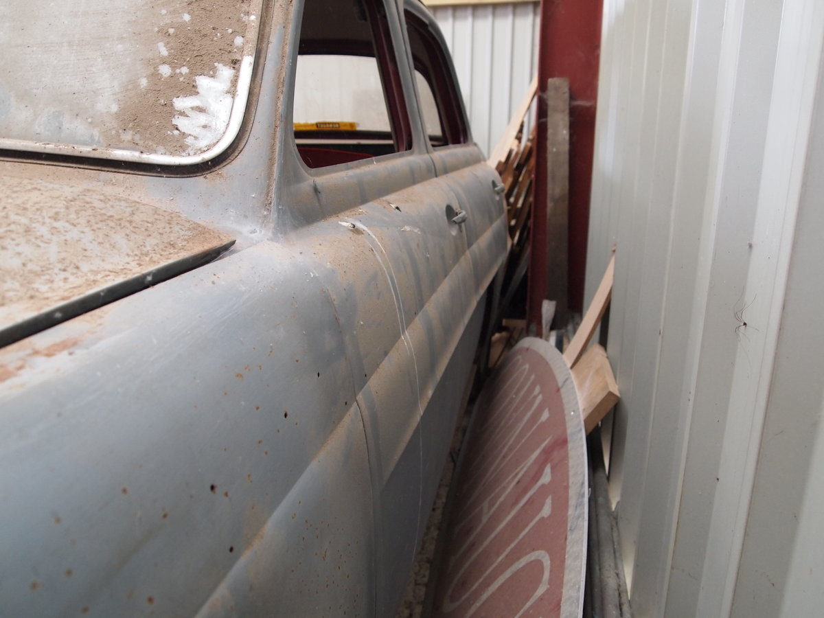 1956 Renault Dauphine - early UK spec Barn Find For Sale (picture 5 of 6)