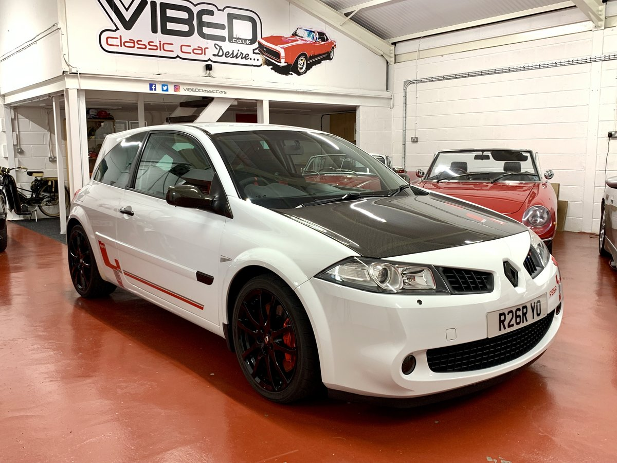 2009 Renault Megane 2.0 Renaultsport F1 Team R26.R // No. 95/230  For Sale (picture 1 of 6)