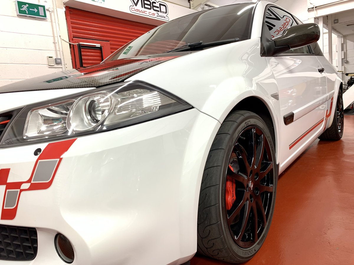 2009 Renault Megane 2.0 Renaultsport F1 Team R26.R // No. 95/230  For Sale (picture 2 of 6)