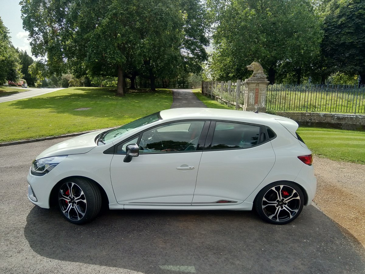 2016 Renaultsport Clio RS220 Trophy For Sale (picture 1 of 6)
