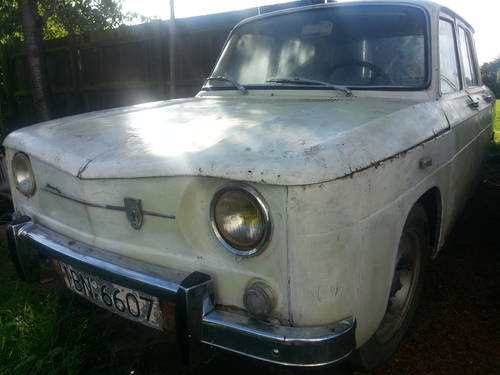 1970 Renault 8(dacia 1100)restoration project For Sale (picture 2 of 6)