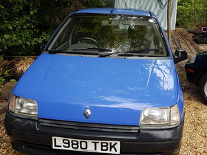 1993 Clio Lovely original, unpimped.