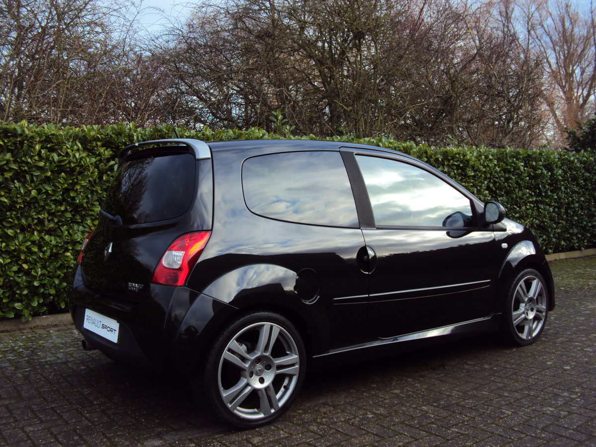 2009 A STUNNING Low Mileage RENAULTSPORT TWINGO 133 'CUP PACK'  For Sale (picture 2 of 6)