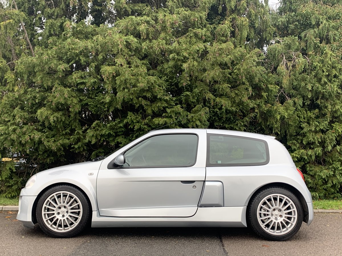 2002 Renault Clio V6 Phase one - Very rare car  For Sale (picture 3 of 6)
