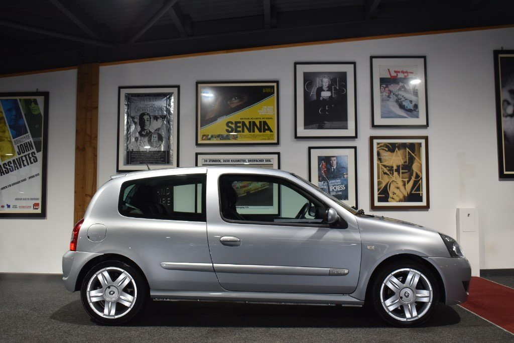 2004 Renault Clio SPORT 16V For Sale (picture 1 of 6)