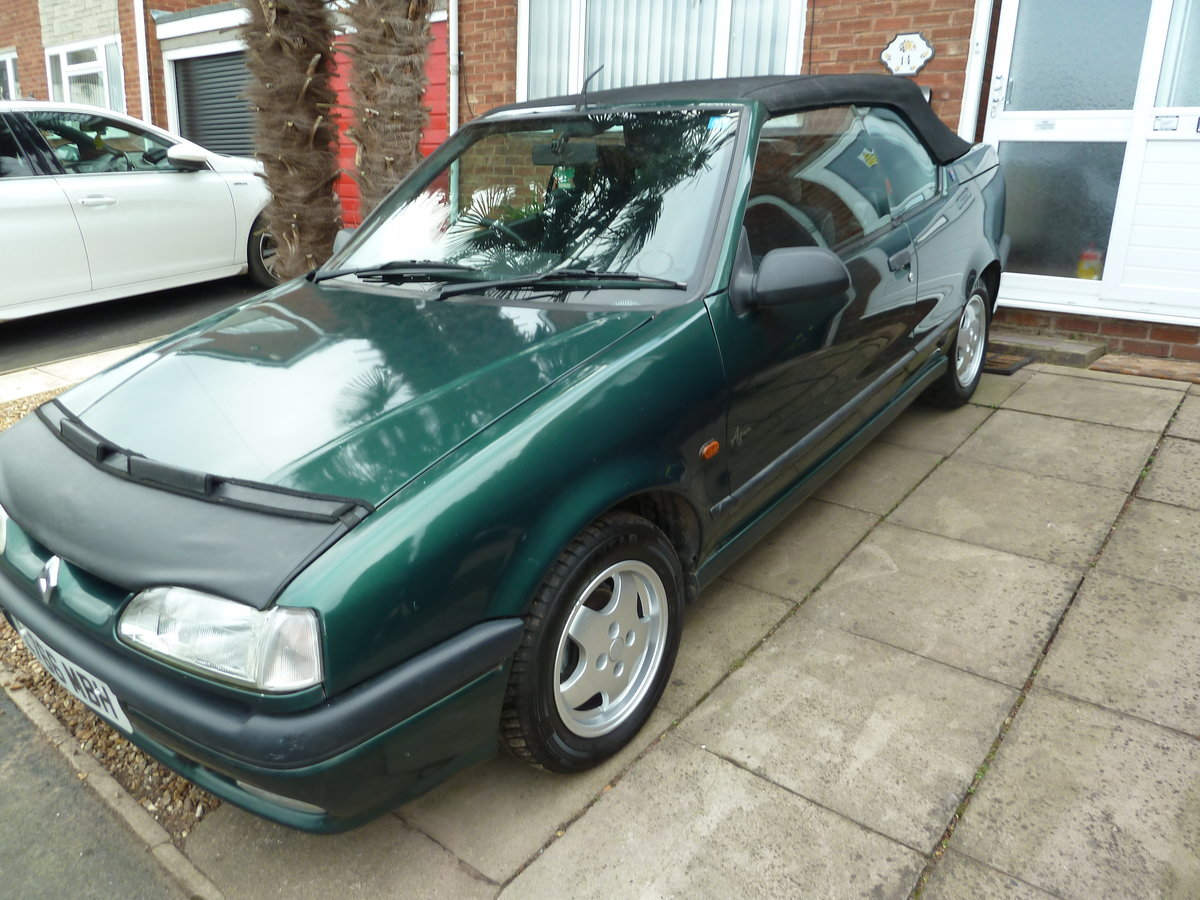 1994 Renault 19 cabriolet 1.8 8v  goodwood green SOLD (picture 1 of 6)