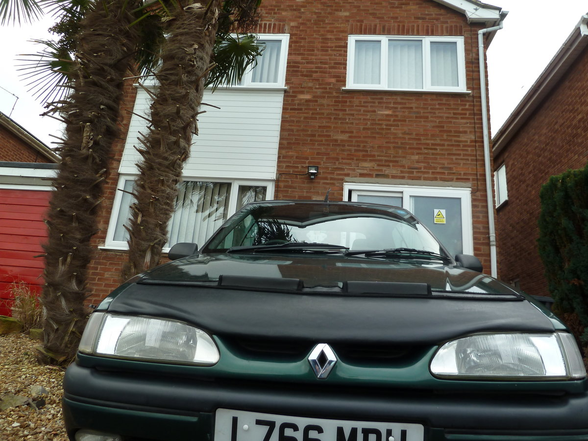 1994 Renault 19 cabriolet 1.8 8v  goodwood green SOLD (picture 2 of 6)